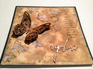 Braune Karte mit großem Schmetterling