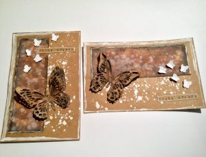 Zwei Karten mit Svhmetterlingen und Ostergruß